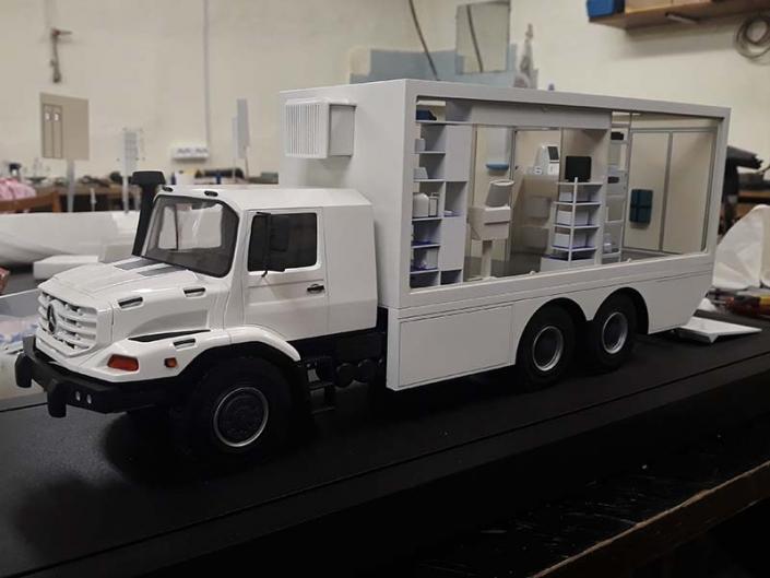 Операционная машина на базе Mercedes Zetros