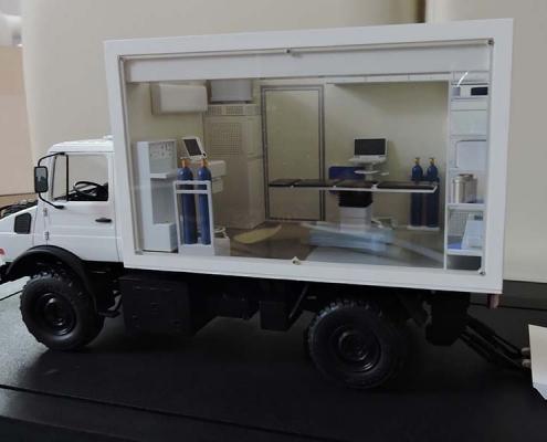 Макет операционной на базе Mercedes Unimog